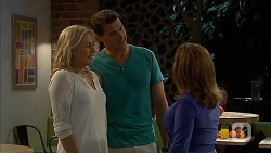 Lauren Turner, Matt Turner, Terese Willis in Neighbours Episode 6896
