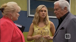 Sheila Canning, Georgia Brooks, Lou Carpenter in Neighbours Episode 6896