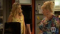 Georgia Brooks, Sheila Canning in Neighbours Episode 6897