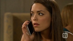 Paige Novak in Neighbours Episode 6897