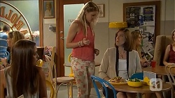 Paige Novak, Amber Turner, Kerry Wolfe in Neighbours Episode 6897