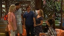 Lauren Turner, Matt Turner, Brad Willis, Terese Willis, Paige Novak in Neighbours Episode 6898