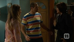 Sonya Mitchell, Toadie Rebecchi, Naomi Canning in Neighbours Episode 6899