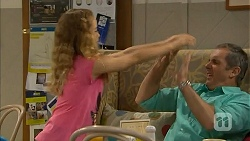 Holly Hoyland, Karl Kennedy in Neighbours Episode 6900