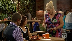 Toadie Rebecchi, Naomi Canning, Sheila Canning in Neighbours Episode 6900