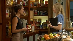 Paige Novak, Amber Turner in Neighbours Episode 6901
