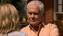 Lauren Turner, Lou Carpenter in Neighbours Episode 6903