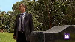 Paul Robinson in Neighbours Episode 6903