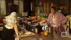 Libby Kennedy, Susan Kennedy in Neighbours Episode 6908