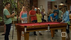 Mark Brennan, Lauren Turner, Brad Willis, Terese Willis, Chris Pappas, Sonya Mitchell in Neighbours Episode 6909