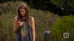 Paige Novak in Neighbours Episode 6910