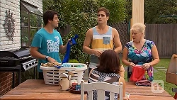 Chris Pappas, Kyle Canning, Naomi Canning, Sheila Canning in Neighbours Episode 6911
