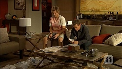 Daniel Robinson, Paul Robinson in Neighbours Episode 6911