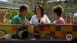 Karl Kennedy, Libby Kennedy, Susan Kennedy in Neighbours Episode 6913