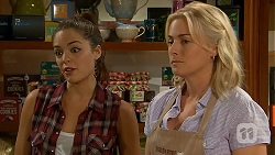 Paige Novak, Lauren Turner in Neighbours Episode 6913