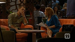 Mark Brennan, Terese Willis in Neighbours Episode 6913