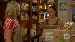 Lauren Turner, Paige Novak in Neighbours Episode 6916