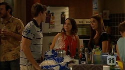 Ethan Smith, Imogen Willis, Paige Novak in Neighbours Episode 6917