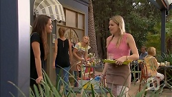 Paige Novak, Amber Turner in Neighbours Episode 6918