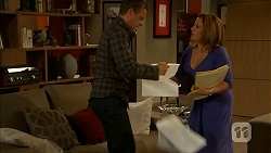Paul Robinson, Terese Willis in Neighbours Episode 6919