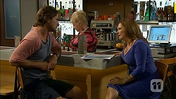 Brad Willis, Sheila Canning, Terese Willis in Neighbours Episode 6919