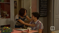 Naomi Canning, Chris Pappas in Neighbours Episode 6921