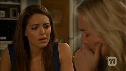 Paige Novak, Lauren Turner in Neighbours Episode 6922