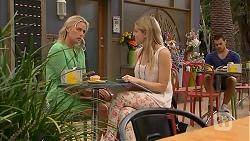 Lauren Turner, Amber Turner in Neighbours Episode 6923