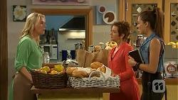 Lauren Turner, Susan Kennedy, Paige Novak in Neighbours Episode 6923