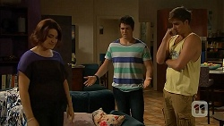 Naomi Canning, Chris Pappas, Kyle Canning in Neighbours Episode 6924