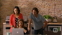 Imogen Willis, Terese Willis, Brad Willis in Neighbours Episode 6925