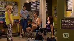 Georgia Brooks, Chris Pappas, Kyle Canning, Naomi Canning in Neighbours Episode 6927