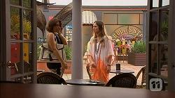 Naomi Canning, Sonya Rebecchi in Neighbours Episode 6927