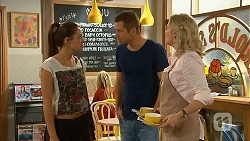 Paige Novak, Mark Brennan, Lauren Turner in Neighbours Episode 6932