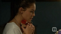 Paige Novak in Neighbours Episode 6932
