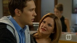 Josh Willis, Terese Willis in Neighbours Episode 6932