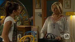 Paige Novak, Kathy Carpenter in Neighbours Episode 6932