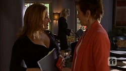 Terese Willis, Susan Kennedy in Neighbours Episode 6935