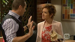 Toadie Rebecchi, Susan Kennedy in Neighbours Episode 6936