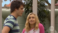 Chris Pappas, Georgia Brooks in Neighbours Episode 6937