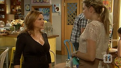 Terese Willis, Amber Turner in Neighbours Episode 6938