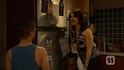 Mark Brennan, Naomi Canning in Neighbours Episode 6939