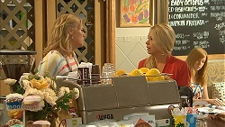 Lauren Turner, Lucy Robinson in Neighbours Episode 6939