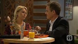 Lucy Robinson, Paul Robinson in Neighbours Episode 6941