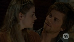 Amber Turner, Daniel Robinson in Neighbours Episode 6941