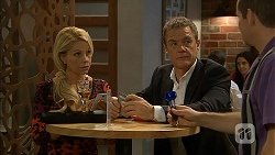 Lucy Robinson, Paul Robinson, Toadie Rebecchi in Neighbours Episode 6941