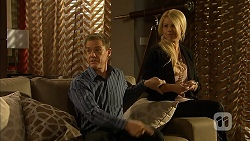 Paul Robinson, Lucy Robinson in Neighbours Episode 6941