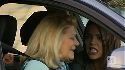 Kathy Carpenter, Paige Novak in Neighbours Episode 6941