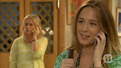 Lauren Turner, Sonya Mitchell in Neighbours Episode 6942