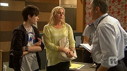 Bailey Turner, Lauren Turner, Karl Kennedy in Neighbours Episode 6942